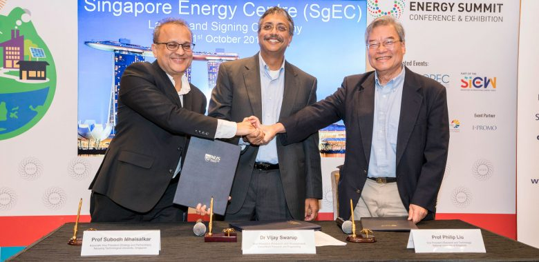 Singapore-Energy-Centre-Signing-047ml